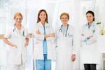 استاذة جامعية لتدريس طالبات جامعة قطر الطب